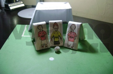 Gawang Pemain dari Kertas